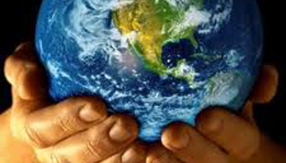 E-globe in hands